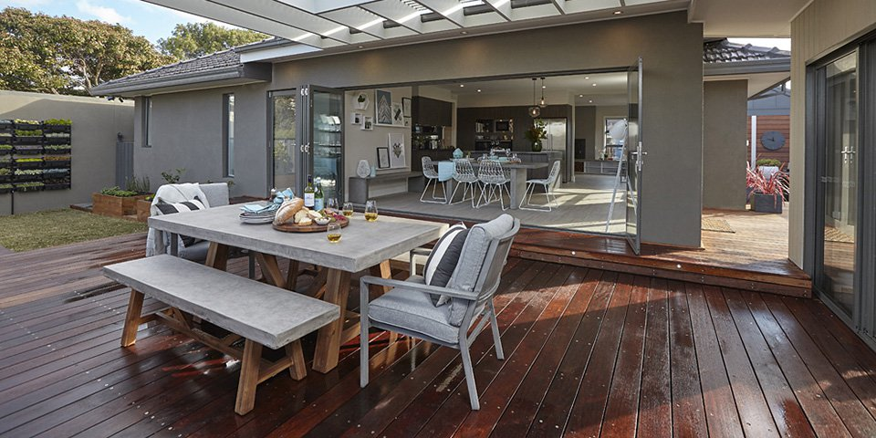 What You Should Include While Hiring A Decking Company?