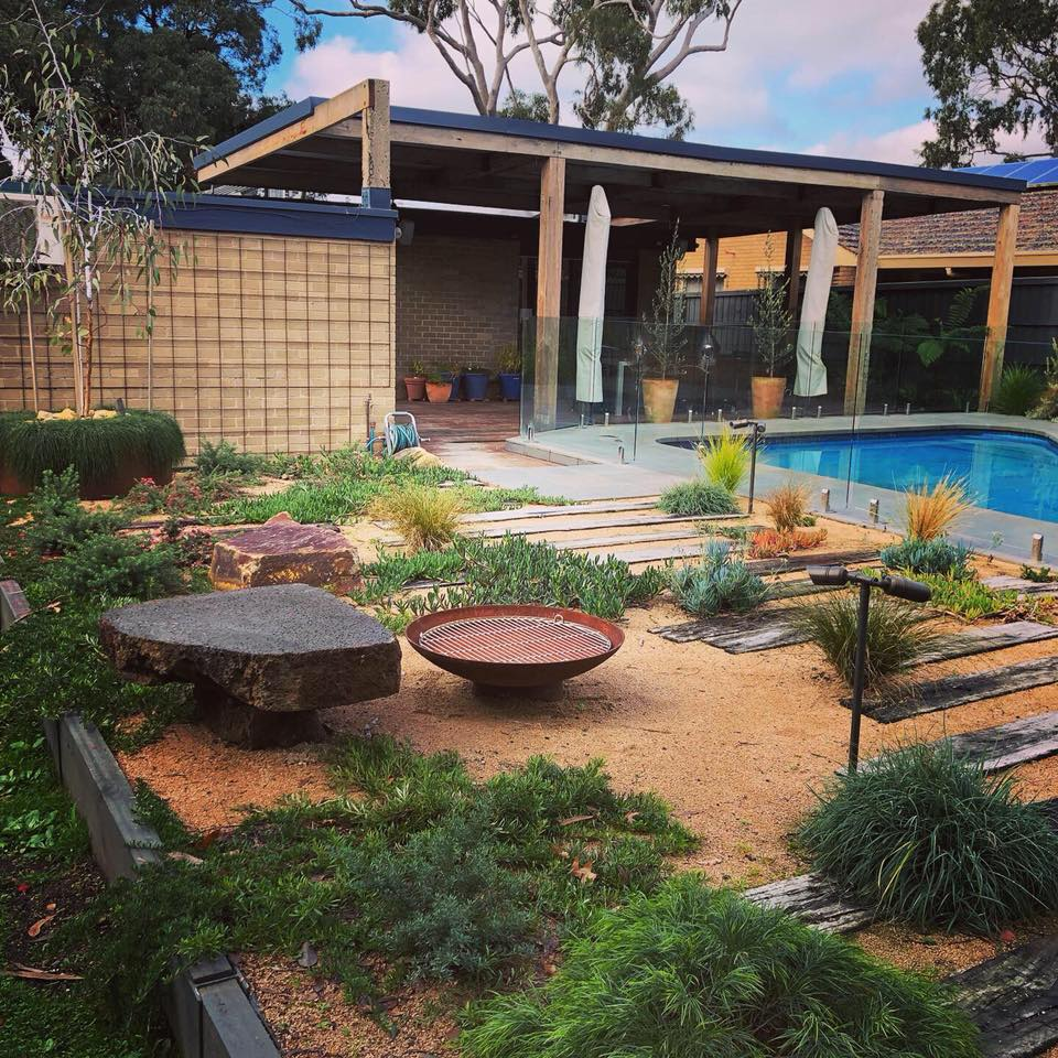 Build A New Look Deck In Your Home To Enhances The Living Standards