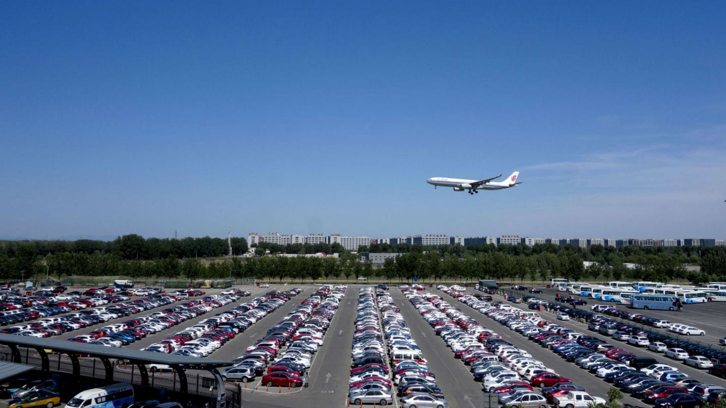 Why Does Seeking A Professional Airport Parking Be A Good Idea?