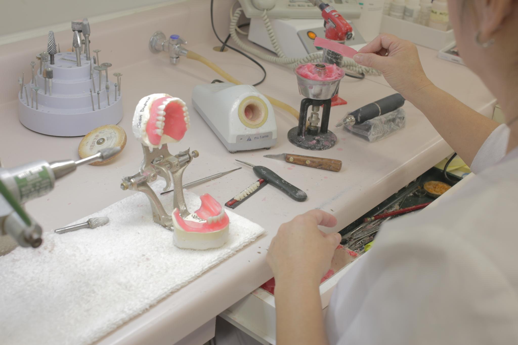 Melbourne Denture Clinic