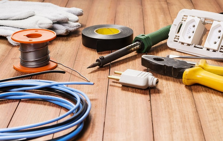 Why You Need An Expert Electrician For Your Home Application?