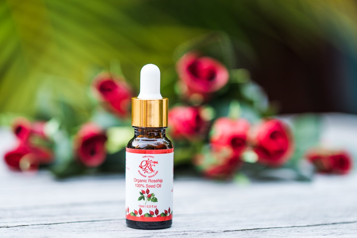 How Organic Skincare Products like Rosehip Oil can help your skin