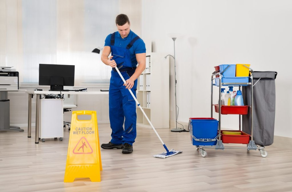 Full Time Cleaning Jobs – 6 Reasons You Should Hire A Professional Cleaner